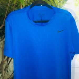 NIKE LARGE DRI-FIT TOP T-SHIRT